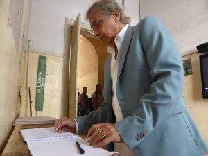 L'artiste Tunga signe le Manifeste de l'arbre à Sao-Paulo